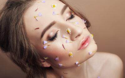 Cum să previi apariția ridurilor, să combați acneea sau punctele negre. Sfaturi și practici recomandate de medicul dermatolog.